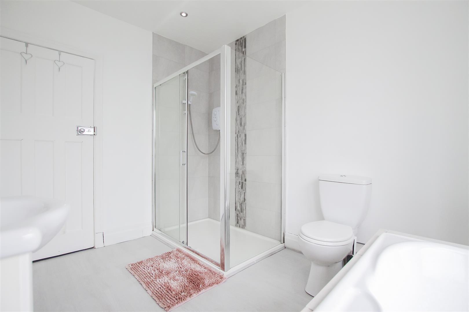 4 Bedroom Detached House For Sale - Image 75
